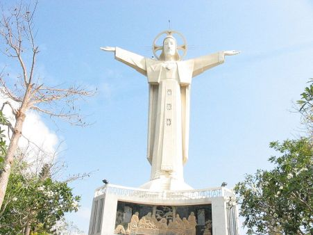 Jesus statue in Vietnam