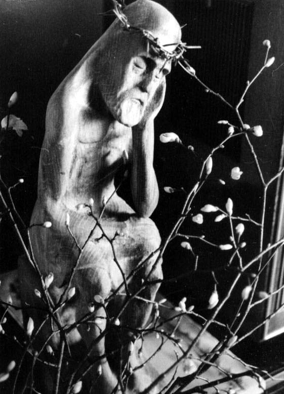 Pensive Christ (Eduardas Jonusas)